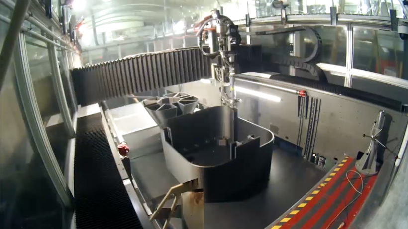 Oak Ridge National Laboratory's BAAM machine 3D prints a submarine hull.