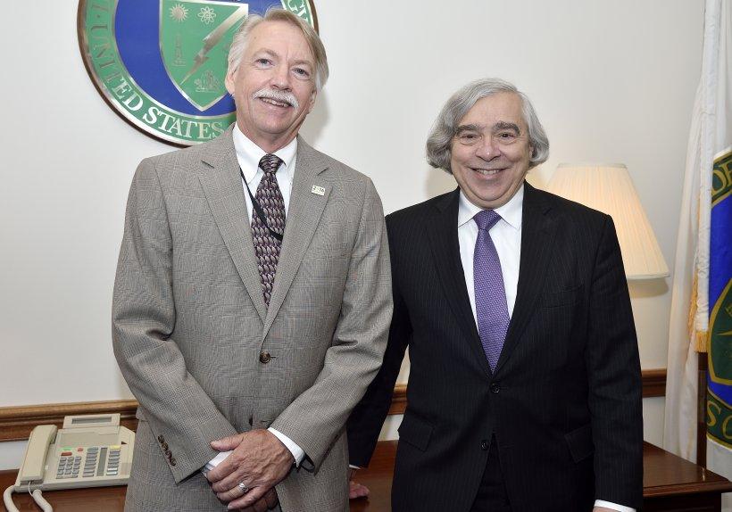 Photograph of NPS Director Jonathan Jarvis and Secretary of Energy Ernest Moniz