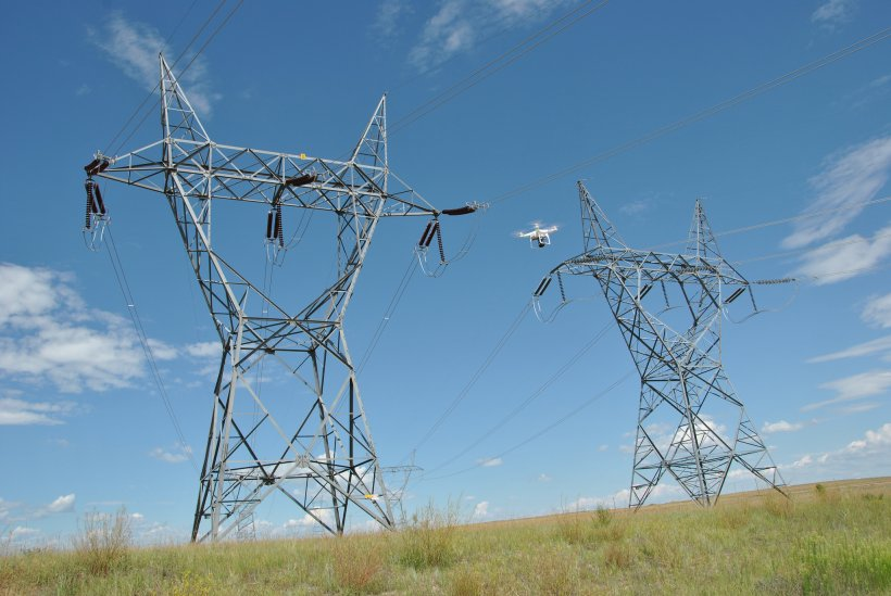 Power lines in Colorado, photo by Western Area Power Administration