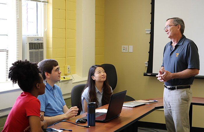 Nuclear engineering students at the University of Tennessee have the opportunity to obtain the first nuclear decommissioning and environmental management minor degree in the U.S.