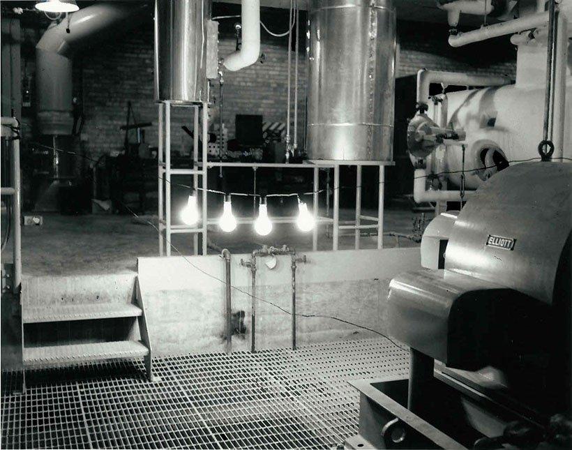 EBR-I four lightbulbs