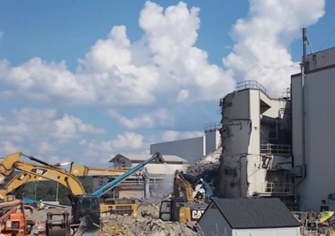 WEST VALLEY, N.Y. – In 2018, EM and its cleanup contractor safely completed the demolition of the 50-foot-tall, 10,000-square-foot Vitrification Facility at the West Valley Demonstration Project (WVDP). The take-down of the Vitrification Facility represen