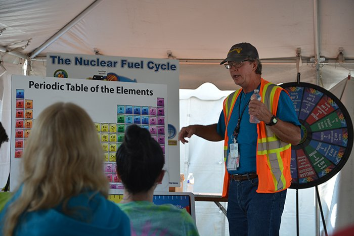 Jud Lilly of EM's Portsmouth/Paducah Project Office provides an orientation on chemistry and the nuclear fuel cycle at the Science Alliance event.