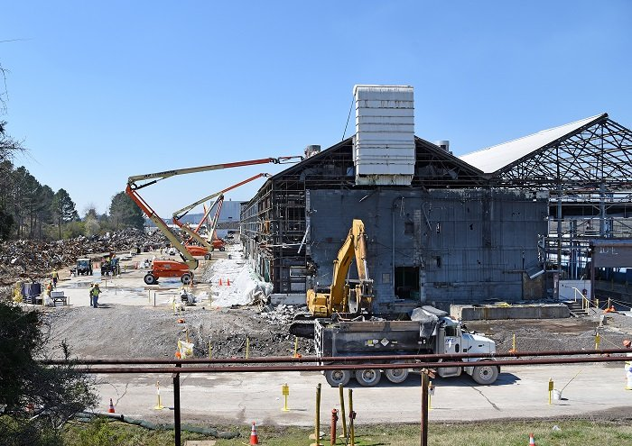 The K-1037 Barrier Production Facility was the largest remaining structure at the East Tennessee Technology Park after five uranium enrichment buildings were taken down there. Finishing this demolition project was a key step toward achieving Vision 2020.