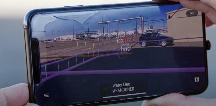 Through the combination of location intelligence and mixed reality, Hanford Site workers are able to use a mobile device to map out underground utilities while in the field, ensuring efficiency and worker safety.