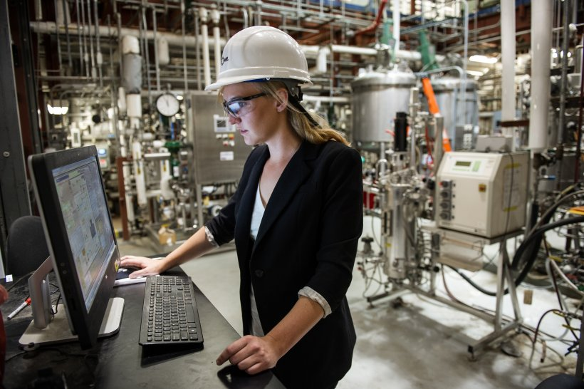September 9, 2014 - Marykate O'Brien, Bio Process Engineer at NREL, monitors automated processes using NREL's computer control screens at the Biorefinery Research Facility in Golden, CO.