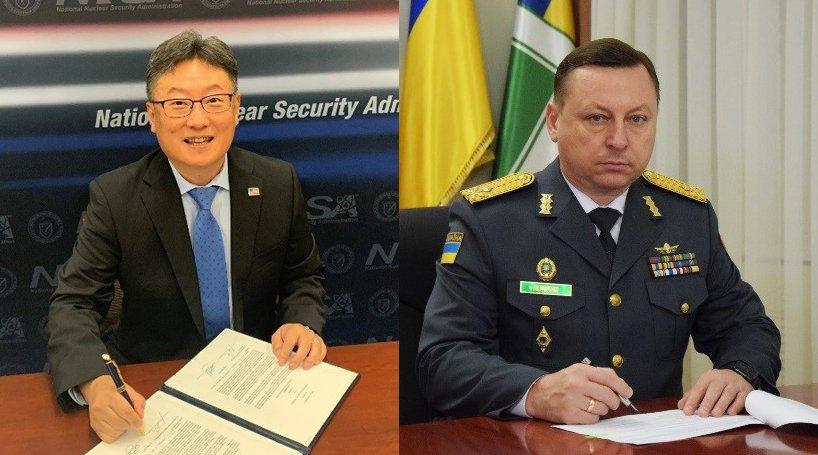 Dr. Brent Park, left, NNSA's Deputy Administrator for Defense Nuclear Nonproliferation, signed for the United States. Maj. Gen. Volodymyr Nikiforenko, First Deputy Head of the Administration of the State Border Guard Service, signed for Ukraine.