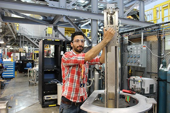 Community College Internships participant Nabeel Jaser used his interest in engineering to advance research at Oak Ridge National Laboratory's Spallation Neutron Source facility.