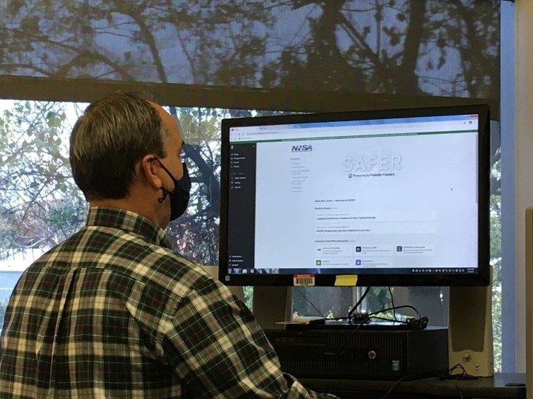 Mark Zulim, Livermore Field Office's (LFO) Maintenance Program Manager, navigates the SAFER portal's home page.