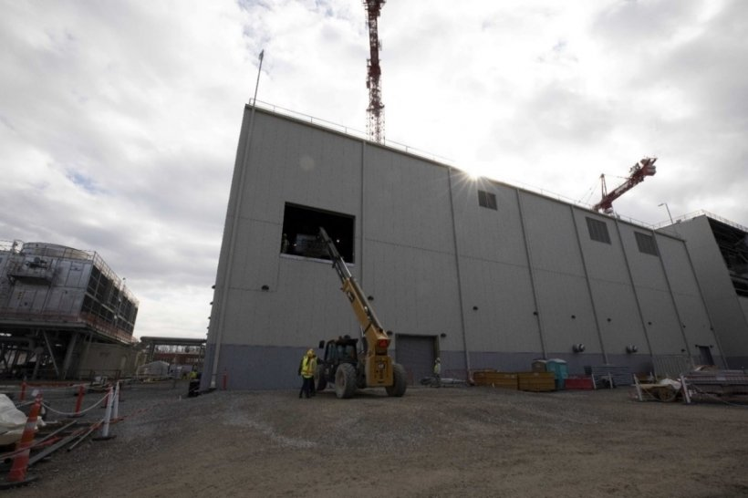 All major equipment has been delivered and installed in UPF's Mechanical Electrical Building. Piping, electrical, and instrumentation work is underway in advance of the subproject's 2022 completion.