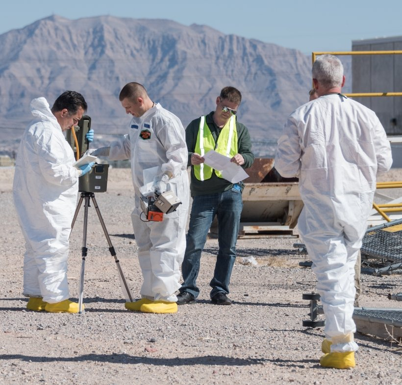 Radiological Assistance Program (RAP) personnel prepare an air sampler during consequence management equipment training.