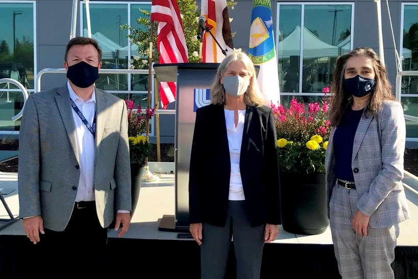NNSA Livermore Field Office Manager Peter Rodrik, left, and LLNL Director Kim Budil, right, joined NNSA Administrator Jill Hruby at the ribbon cutting for the LVOC