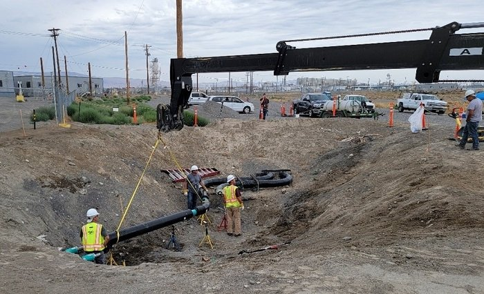 Crews with EM tank operations contractor Washington River Protection Solutions and subcontractor Apollo, Inc. fit the final sections of double-walled pipe in place, connecting the Hanford Site tank farms to the Waste Treatment and Immobilization Plant.