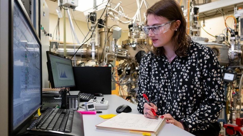 Katie Sautter is a postdoctoral researcher in Supratik Guha's lab at Argonne National Laboratory. She builds materials for quantum devices using a molecular beam epitaxy machine.
