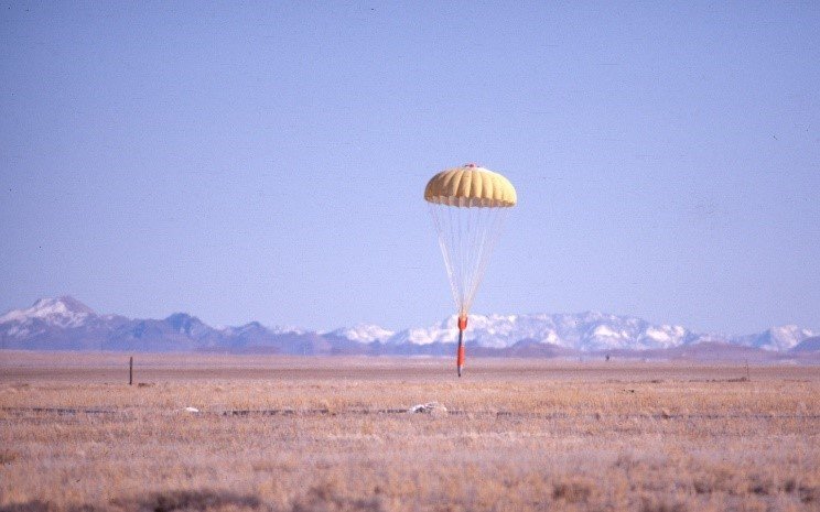 The Tonopah Test Range offers a wide array of signal-tracking equipment, including video, high-speed cameras, and radar-tracking devices. This equipment is used to characterize ballistics, aerodynamics, and parachute performance for artillery shells, bomb