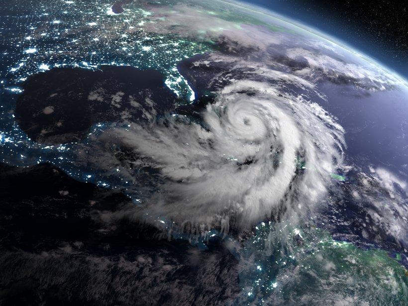 Image of Hurricane Mathew approaching