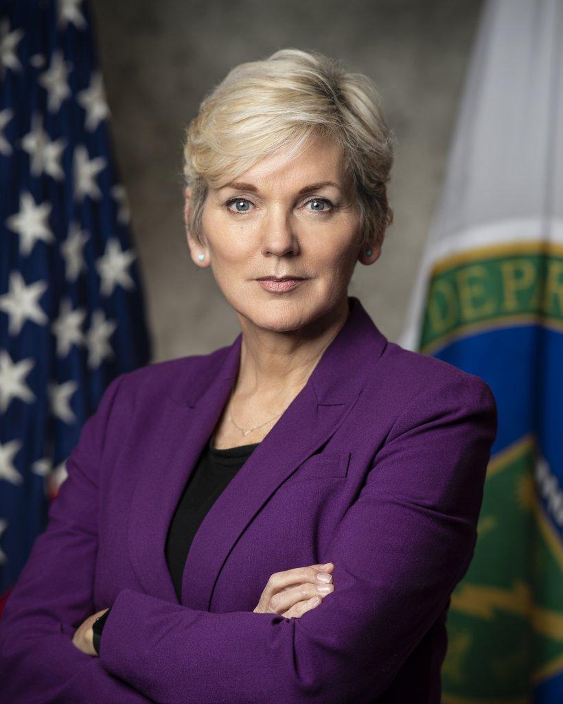 Official photograph of Secretary of Energy Jennifer M. Granholm