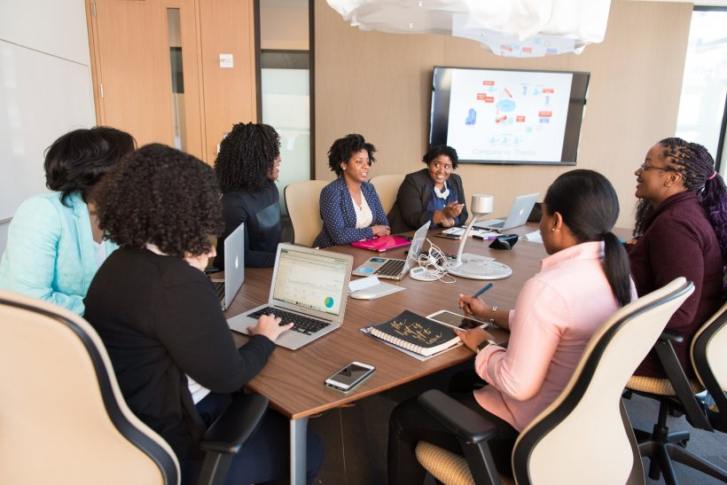 working session of African women