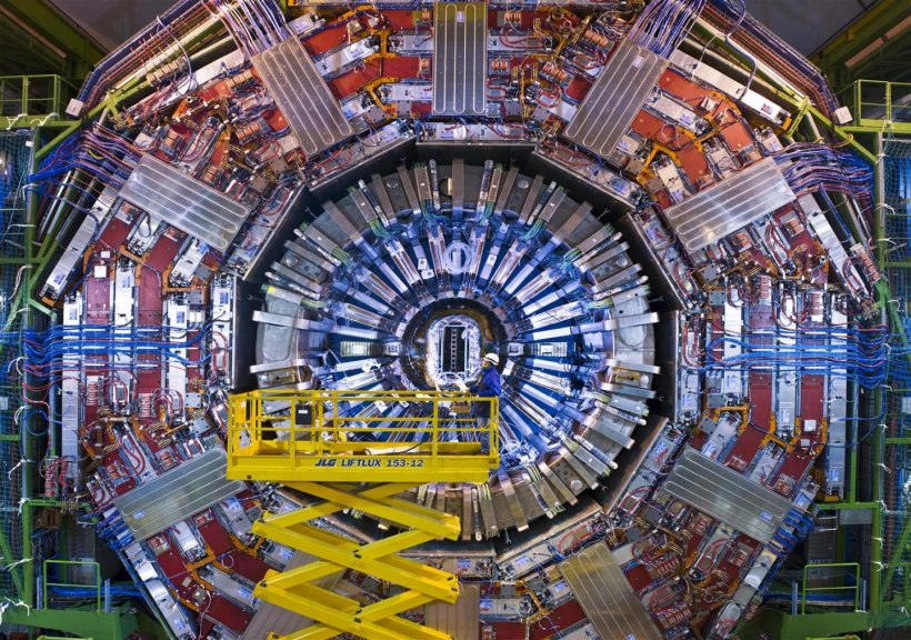 The CMS detector at the LHC at Cern