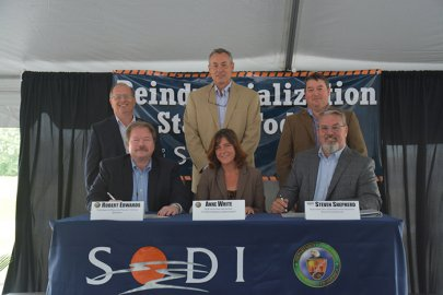 Assistant Secretary White Attends Portsmouth Site Land Transfer Event, Visits EMCBC