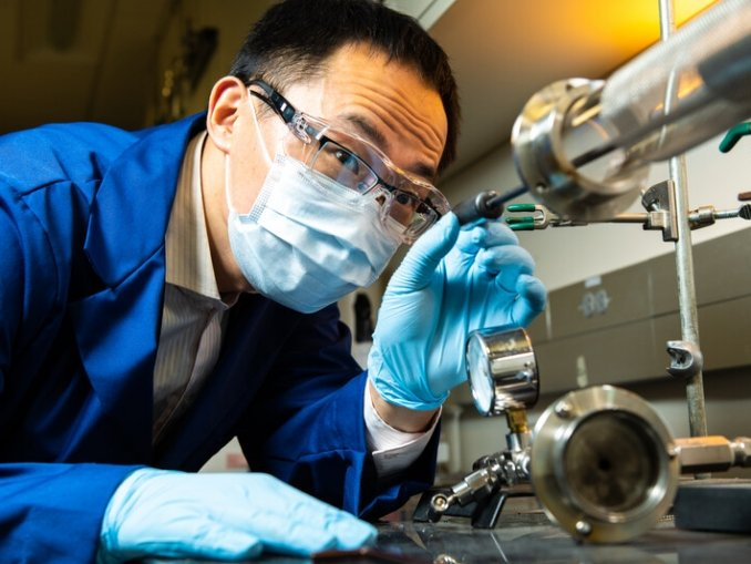 Better cathode materials are needed in order to enable long-range EVs charged by Li-Ion batteries. One promising candidate are single crystalline Ni-rich cathodes. ..Yujing Bi is part of the research team that evaluated Ni-rich cathodes and observed microcracking, which was induced by non-uniform volume change of primary particles during cycling. The team found they could stabilize the material with various strategies, such as reducing the crystal size or by optimizing the depth of charge.