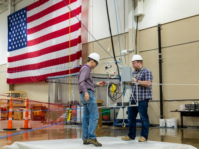 Brian Post, a large-scale additive manufacturing research at ORNL, designed SkyBAAM, a low-cost, cable-driven field deployable additive manufacturing system that uses low embodied carbon concrete.