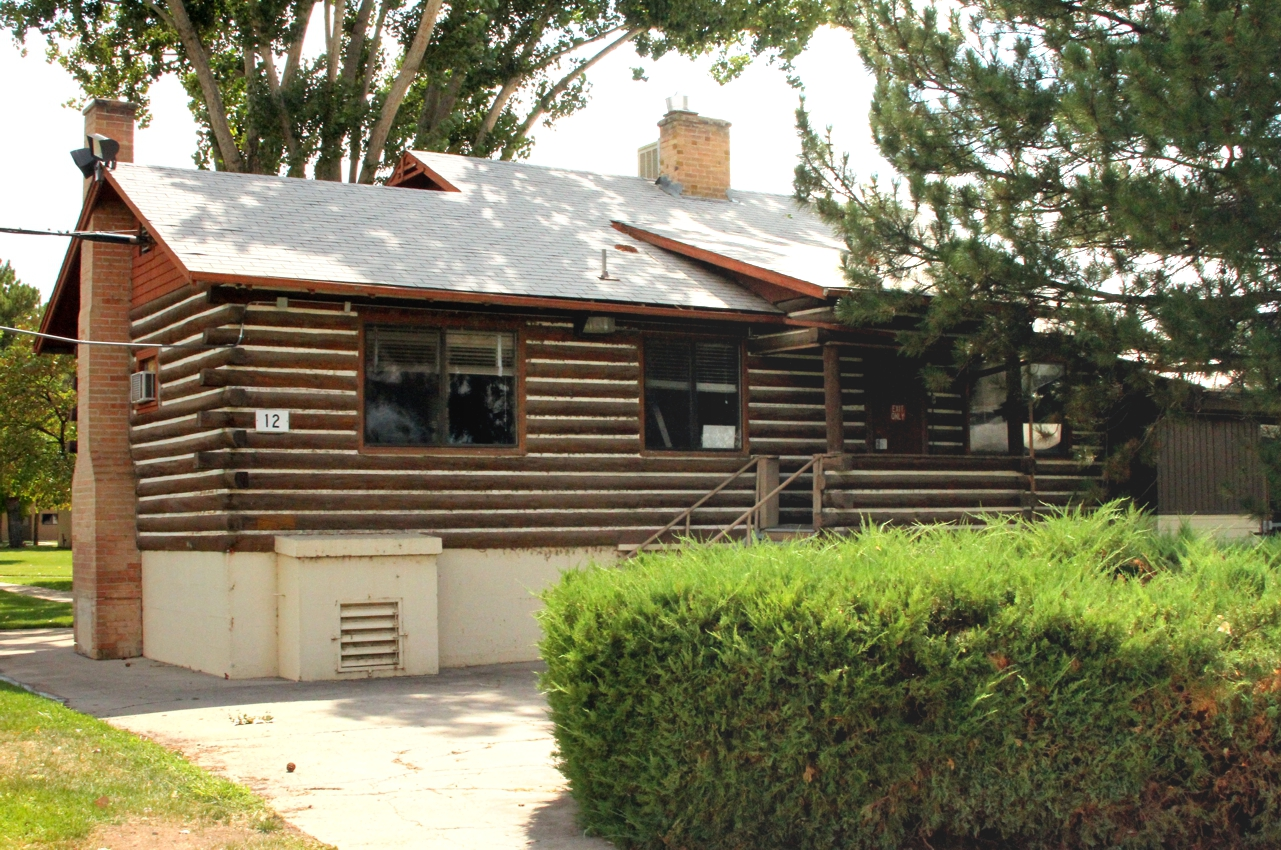 preservationists tour historic log cabin at the grand junction