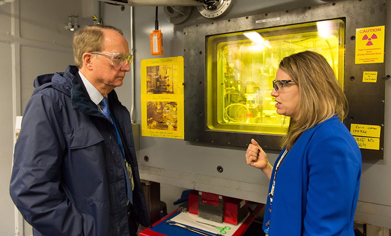 Argonne's Amanda Youker discusses the Mo-99 program, which supports nonproliferation goals, with NNSA Administrator Frank Klotz.