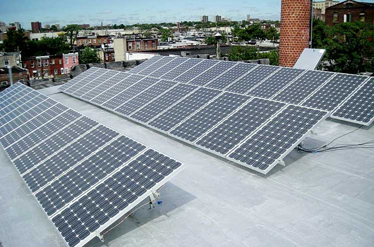This photograph features the 6-kilowatt (kw) rooftop photovoltaic system that Mercury Solar Systems installed in the Lower Kensington neighborhood of Philadelphia.| Photo courtesy of Mercury Solar Solutions