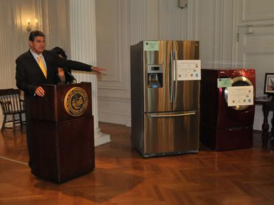 West Virginia Governor Joe Manchin announces the Energy Efficient Rebate Program in June. The state received $1.7 million in Recovery Act funding to encourage residents to purchase ENERGY STAR appliances. | Photo courtesy of WVDEP