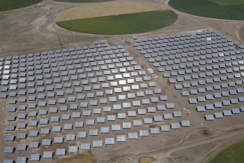 The Alamosa Solar Project avoids the emissions of 34,000 metric tons of carbon dioxide every year.   Photo courtesy of Cogentrix.