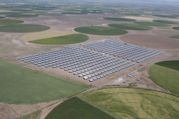 The Alamosa Solar project in Colorado is the largest high-concentration solar facility in the world.   Photo courtesy of Cogentrix.
