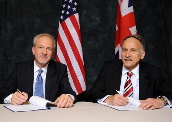 DOE Senior Advisor for Environmental Management David Huizenga (left) and MarkLesinski, U.K.'s Nuclear Decommissioning Authority (NDA) Executive Director for Delivery,renewed the Statement of Intent between DOE and NDA in a signing ceremony this week.