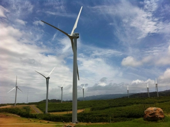 Kahuku's supply chain includes more than 100 U.S. businesses across 20 states. The Kahuku Wind Project is expected to avoid over 40,000 metric tons of carbon dioxide annually, equivalent to the annual carbon dioxide emissions of 8,000 cars.   Image courtesy of First Wind Kahuku