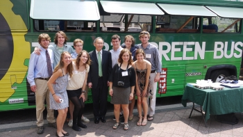 The Big Green Bus visited the Energy Department and Secretary Chu this Tuesday. Ten Dartmouth students are touring the nation on the Big Green Bus to build enthusiasm for community involvement through environmental action. This is the 8th year this completely student run initiative has hit the road to travel 12,000 miles across 24 states on a reused, veggie-powered Greyhound bus.   Image: Justin Vandenbroeck, Energy Department