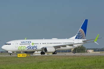 In June 2015, United Airlines announced a partnership with biofuel company Fulcrum BioEnergy to invest in future commercial-scale aviation biofuel plants. The company's innovative technology converts household trash into low-cost, sustainable aviation biofuel. This investment adds to their agreement to purchase up to 15 million gallons of sustainable aviation biofuel from AltAir, over a three-year period. | <em>Photo courtesy of United Airlines</em>