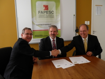 The Department of Energy and the Brazilian Coal Association sign a Memorandum of Understanding on carbon capture and storage. From left to right: Sergio Luiz Gargioni, President of the Foundation of the State of Santa Catarina, Research and Innovation; Paul King, National Energy Technology Laboratory; and Fernando Zancan, President of the Brazilian Coal Association.