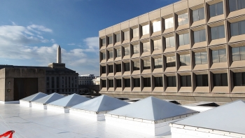 New cool roofs installed on the Energy Department's headquarters building in Washington DC in November, 2010. | Image credit Quentin Kruger, Energy Department