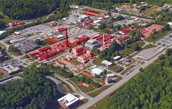 Excess facilities at Oak Ridge National Laboratory are marked in red.