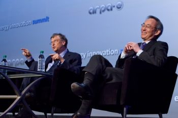 """Secretary of Energy Steven Chu and Bill Gates, Chairman of Microsoft Corporation, hold a """"fireside chat"""" at the 2012 ARPA-E Energy Innovation Summit.   Photo by Quentin Kruger."""