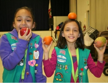 Members of Girl Scout Troop #61373 from Santa Clara, CA create an instructional video for home energy use. | Photo courtesy of Troop Leader Sylvia Kennedy