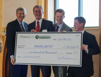 Acting Energy Secretary Poneman (far left) stand with a team of young entrepreneurs from Brigham Young University -- the regional winners of the National Clean Energy Business Plan Competition.   Photo by Ilya Pupko, ILAsoft.net.