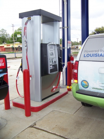 Shreveport, Louisiana's first public heavy duty CNG fueling station officially opened on Earth Day. | Photo courtesy of Ivan Smith Furniture