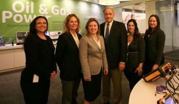 DOE Deputy Assistant Secretary for Oil and Natural Gas Paula Gant visits GE O&G Customer Collaboration Center in Houston. (L to R - Chrissy Borskey, GE Distributed Power; Tracey Sledge, GE O&G; Paula Gant, DOE; Paul Doucette, GE O&G; Jeanette Patel, GE Canada; and Hannah Kaplan, GE Distributed Power.