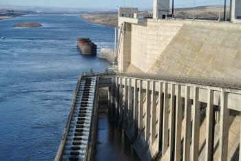 The Hydropower RAPID Toolkit uses an OpenEI wiki-based platform that makes permitting information easily accessible from one location. (Photo by Sarah Wagoner / NREL 38642)