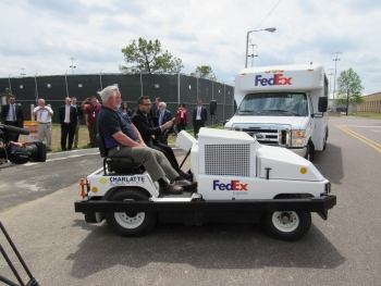 World's First Fuel Cell Cargo Trucks Deployed at U.S. Airport