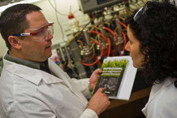 ARPA-E Program Director Dr. Ramon Gonzalez focuses on using microorganisms to convert natural gas into liquid fuel. | Photo courtesy of Jeff Fitlow, Rice University.