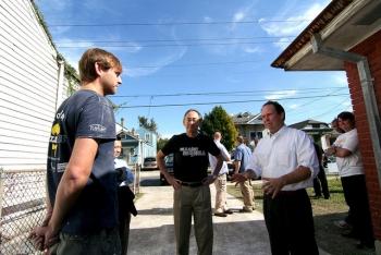 Secretary Chu meets with St. Bernard Project co-founder Zack Rosenberg   Courtesy of St. Bernard Project