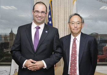 """Dr. Riccardo Signorelli, CEO of FastCAP Systems meets with Secretary Chu. Signorelli founded a startup focused on researching and developing carbon nanotube ultracapacitors and was chosen by <i> Technology Review </i>  as a """"35 Under 35"""" innovator along with Foro Energy's Dr. Joel Moxely (another ARPA-E performer).   Courtesy of ARPA-E."""