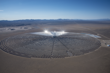 The plant utilizes dry cooling technology in a hybrid design to minimize water use at levels well below conventional power projects. Photo courtesy | SolarReserve.
